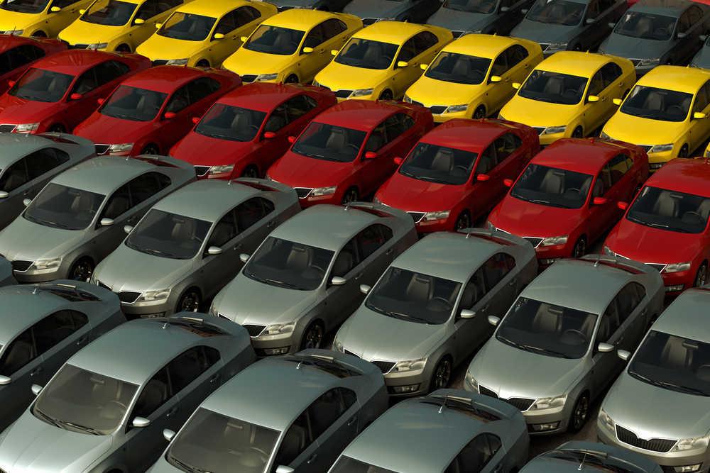 Stock de automóviles en los concesionarios